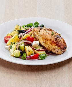 Kyllingfileter med middelhavsspotetsalat